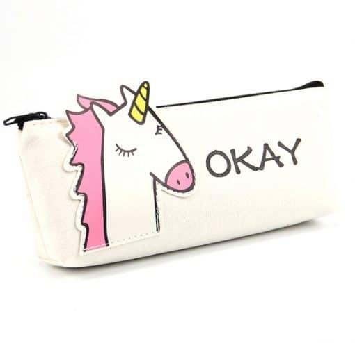 School unicorn etui met eenhoorn en tekst OKAY